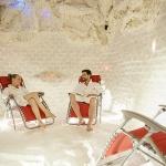 Wellness sóbarlang zenével és fényjátékkal minden egész órakor a Lepence Spa Fürdőben Visegrádon