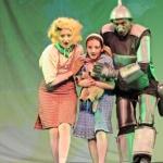 Holdvilág Kamaraszínház 2021. Előadások és online jegyvásárlás