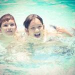 Családi üdülés egyedülálló szülőknek díjmentes játszóház használattal a ceglédi Hotel Aquarellben