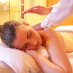 Wellness kényeztetés nőknek fürdőbelépővel és masszázzsal a Palace Hotel Hévíz szállodában