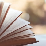 Tavaszi könyves fotókihívás Rácalmás 2021. Online program