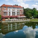 Október 23-ai wellness pihenés fürdőbelépővel a gyopárosfürdői Hotel Corvus Aqua szállodában
