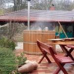 Dézsafürdős szállásunk várja a Bakonyban, élvezze erdei apartmanunkban a parajdi sófürdőzést!