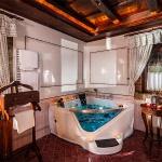 Romantikus nászút belföldön, erdei wellness nászút a Debrecen melletti Erdőspuszta Club Hotelben