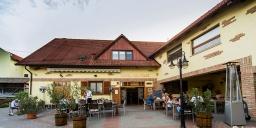 Bock Pince & Hotel Ermitage & Óbor Étterem