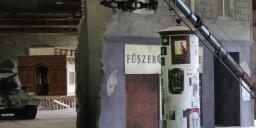 Filmes díszletek kiállítása Ózdon, élethű filmes díszletek a Nemzeti Filmtörténeti Élményparkban