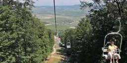 Libegő Sátoraljaújhely, repülő székekkel a Zemplén Kalandpark felett a Magas-hegyi kilátóig