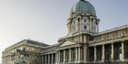Épület-séta, garantált vezetések a Magyar Nemzeti Galériában