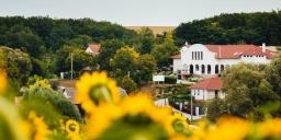 Rádhé Resort & Syám Meditációs és Rendezvényközpont