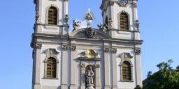 Szent Anna templom Budapest program 2020. Énekkaros szentmise Mindenszentekkor