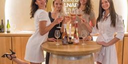 Móri borkóstoló, ismerkedjen meg a borkészítés és kóstolás rejtelmeivel boréttermünkben!