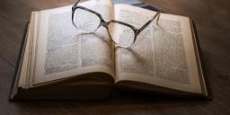 Ajka könyvtár program, könyvkölcsönzés és visszavétel a Városi Könyvtárban