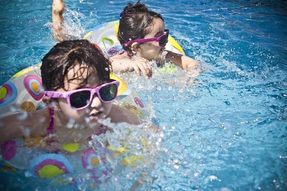 ceglédi úszás