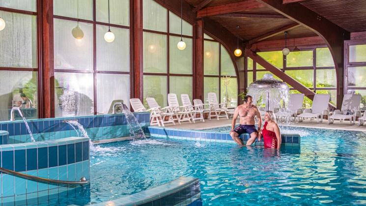 Nyugdíjas üdülés a Balatonnál, pihenés a vízparti Club Tihany Üdülőfaluban