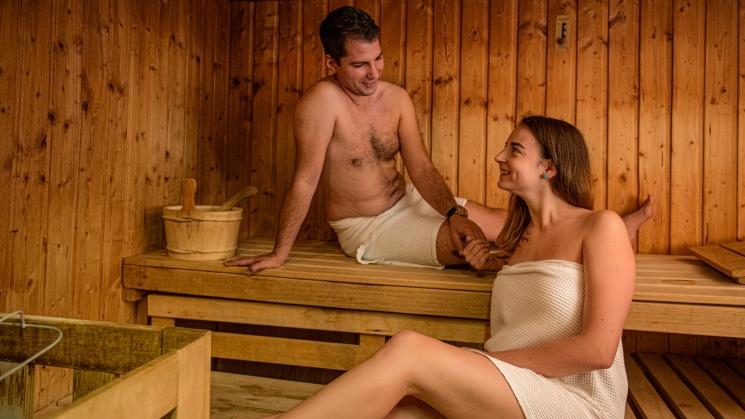 Házassági évforduló wellness szállással a balatonparti Club Hotel Tihanyban