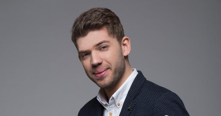 Badár Tamás bűvész előadások 2021. Online jegyvásárlás