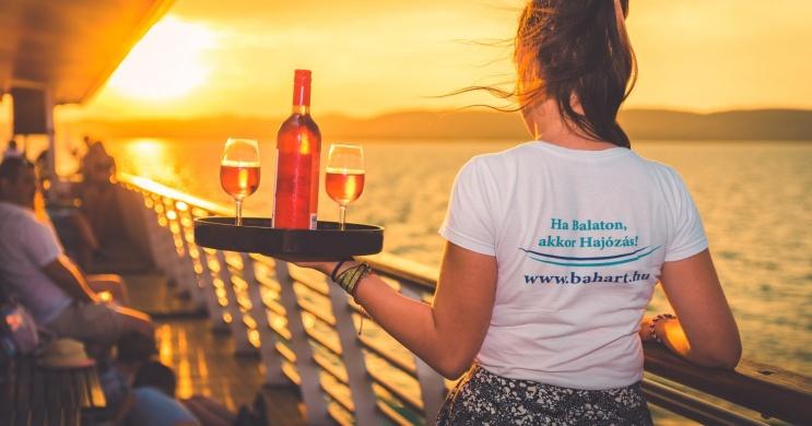 Balatonlellei hajókirándulás 2021. Sétahajózás a naplementébe