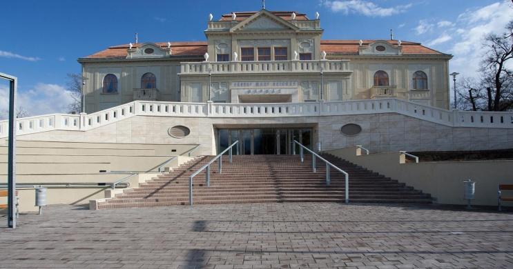 MOST Fesztivál Tatabánya 2021. Monodráma és Stúdiószínházi Fesztivál