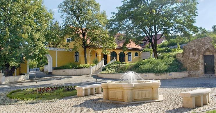 Jankovich Kúria Rendezvény- és Turisztikai Központ Rácalmás