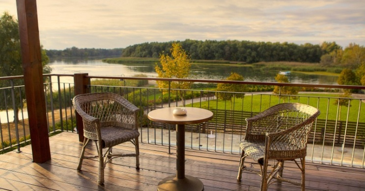 Hétköznapi wellness, nyári pihenés korlátlan SPA használattal a Tisza Balneum Hotelben