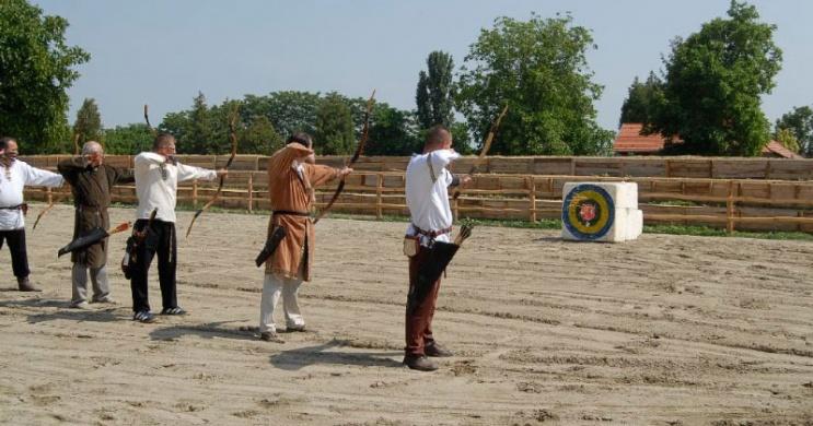 Íjászat Zalában, versenyek és oktatás a 7 Vezér Történelmi Kalandparkban