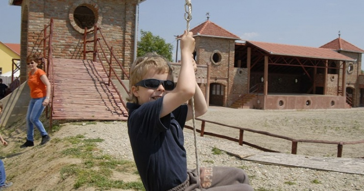 Zalakaros környéki kalandpark látogatás, történelmi időutazás Garaboncon