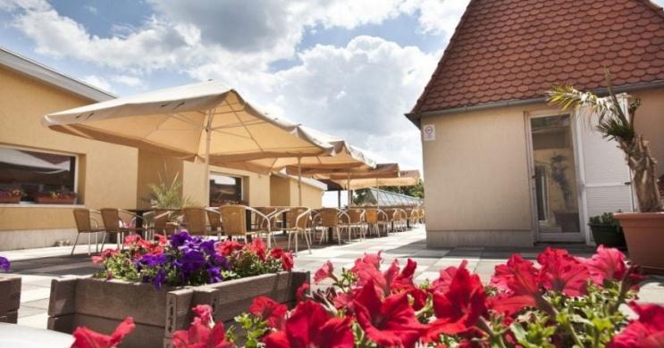Március 15. Pécsen, ünnepi hétvége városnéző programokkal a Makár Hotelben