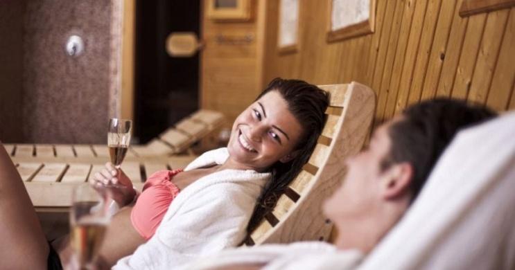 Belföldi wellness szállás Pécsen pároknak és családoknak a Makár Hotelben