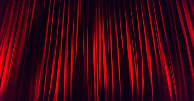 Vígszínház előadások 2021 / 2022. Műsor és online jegyvásárlás