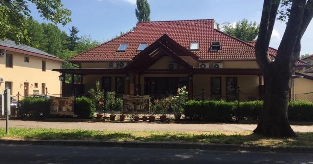 Balaton Panzió és Apartmanház
