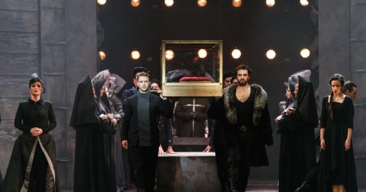 István a király Operettszínház előadások
