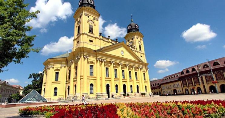 Debreceni Virágkarnevál wellness szállással az Erdőspuszta Club Hotelben