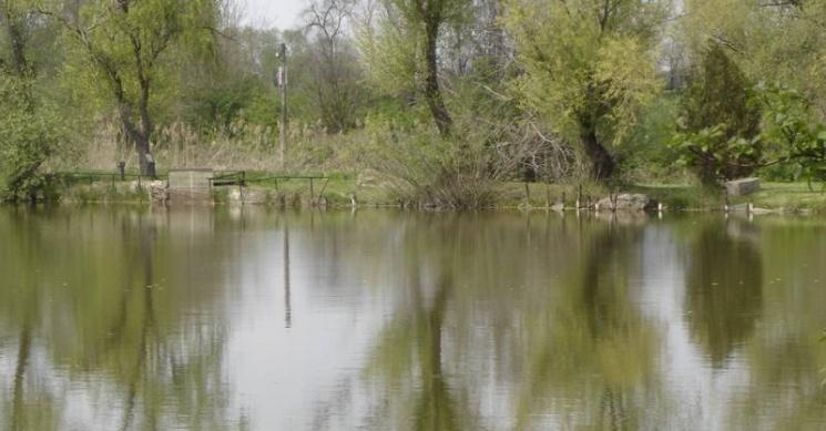 Előszállási horgásztó