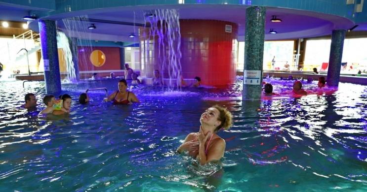 Hétvégi éjszakai wellness a Gyulai Várfürdőben szállással a közeli Wellness Hotel Gyula szállodában