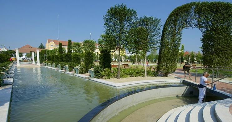 Orosháza látnivalói, őszi wellness pihenés városnézéssel a Hotel Corvus Aqua szállodában
