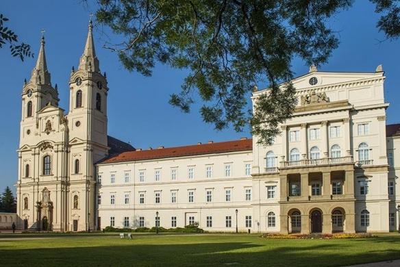 Zirci kirándulás, várjuk a ciszterci szellemiség magyarországi központjában