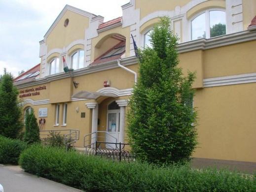Földi János Könyvtár, Emlékház, Hajdúhadházi Galéria