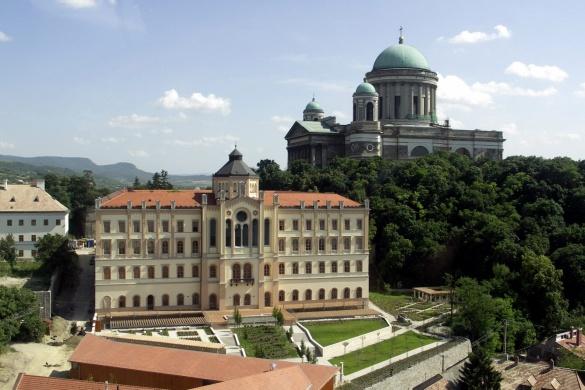 Szent Adalbert Rendezvényközpont