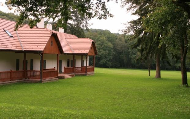 Kútbereki Turistaház, Matracszállás és Nomád Táborhely Hont