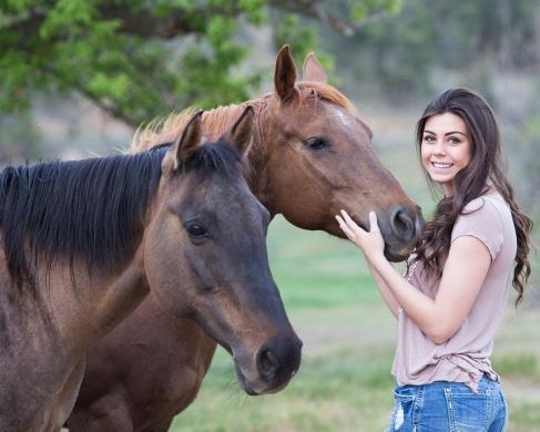 Húsvéti lovas programok. Húsvéti Életrevaló Nomád Lovastábor