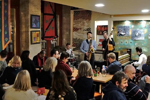 IF Kávéház programok. Mindenkit vár az IF Cafe Jazz Club
