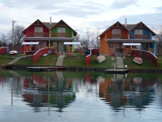 Gyékényes-Vízpart Nyaralóházak