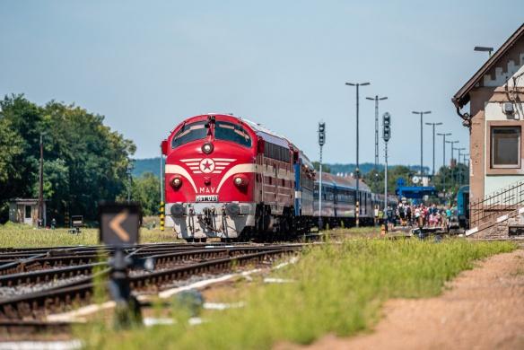 Retró vonatozás 2021. időutazás retró vonatokkal